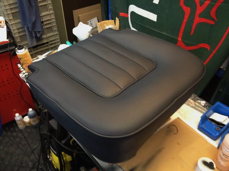 1975 Jaguar Xj 5 3 Leather Seats Restore And Color Change